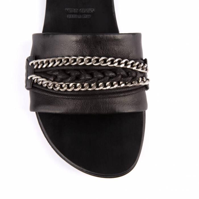 Sandalo con catena