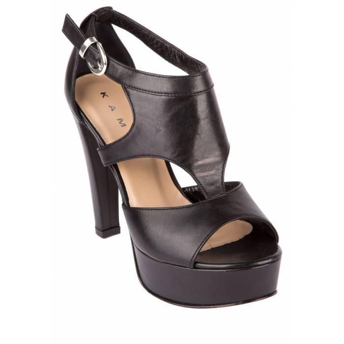 Sandalo con fibbia