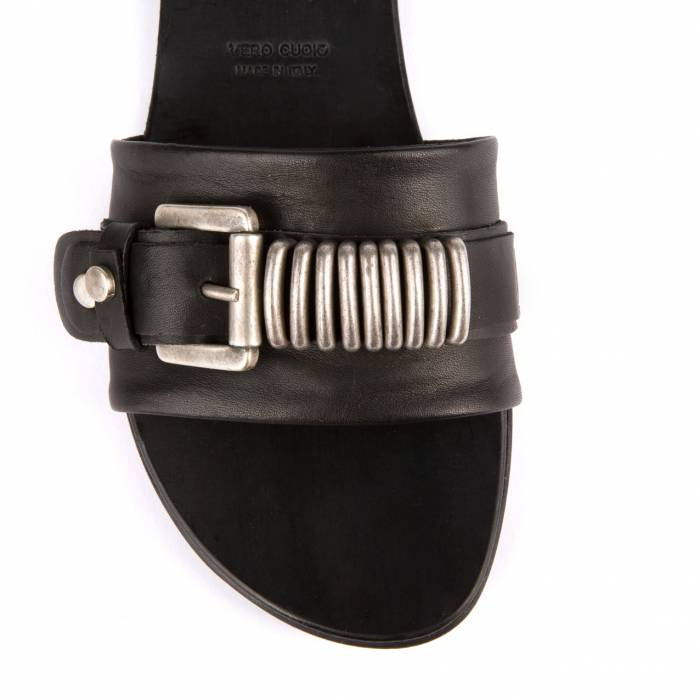 Sandalo con lavorazione