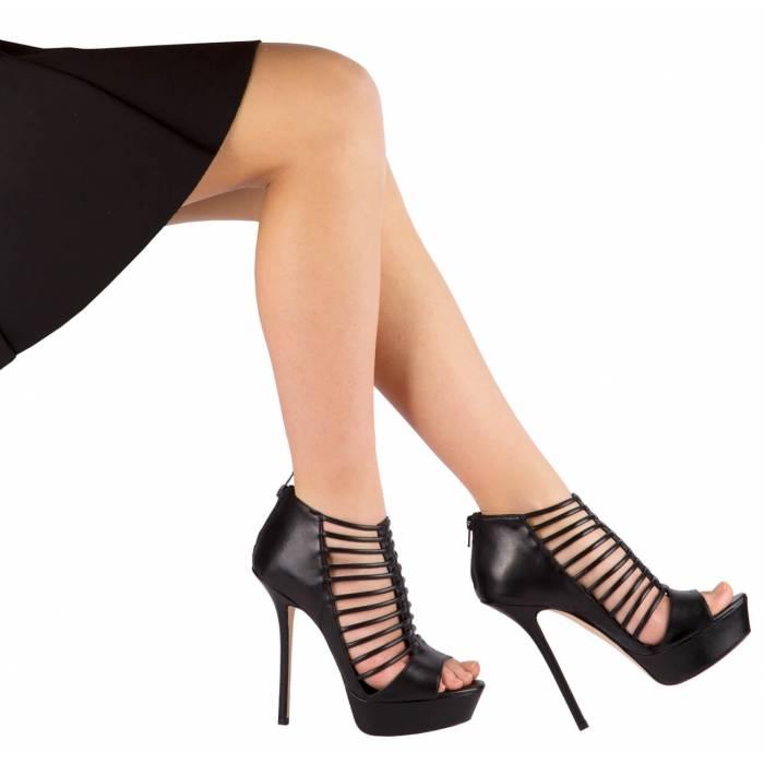 Sandalo con tacco a stiletto