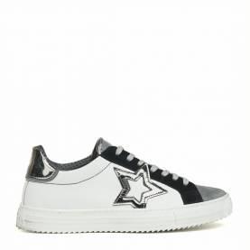 Sneakers 101 D