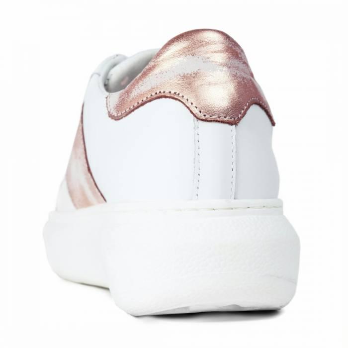 Sneakers 650