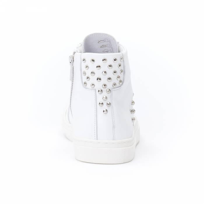 Sneakers America