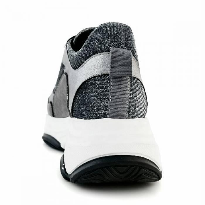 Sneakers Lagos