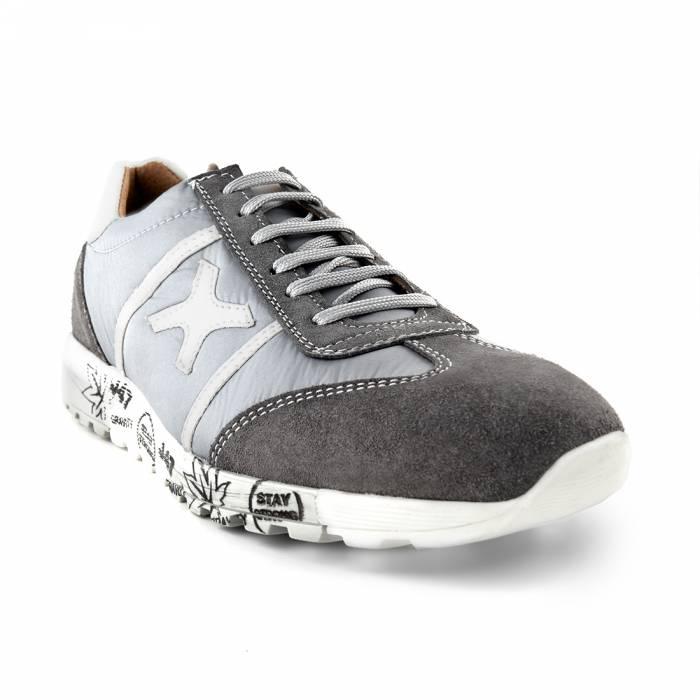 Sneakers Yuri